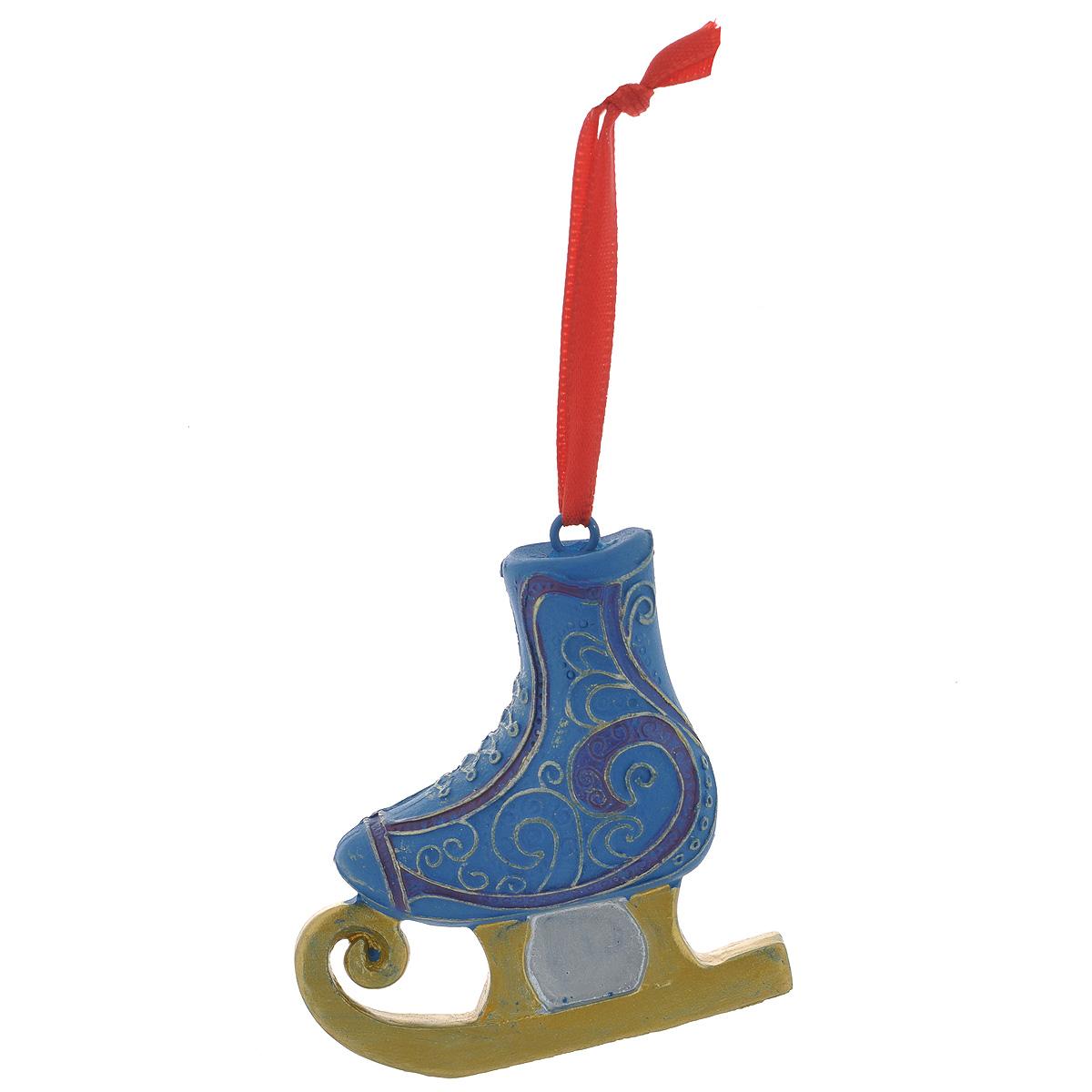 Новогоднее подвесное украшение Феникс-Презент Конек, цвет: синий, золотой. 3459934599Оригинальное новогоднее украшение Феникс-Презент Конек из пластика прекрасно подойдет для праздничного декора дома и новогодней ели. Изделие крепится на елку с помощью металлического зажима.