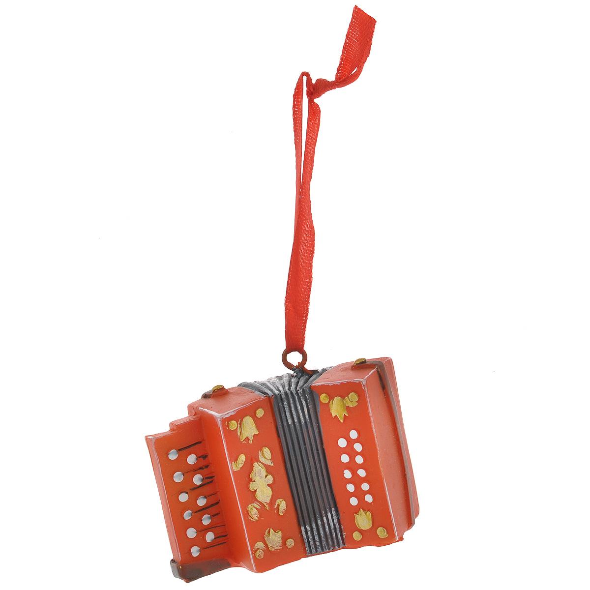 Новогоднее подвесное украшение Баян, цвет: оранжевый. 3458134581Оригинальное новогоднее украшение из пластика прекрасно подойдет для праздничного декора дома и новогодней ели. Изделие крепится на елку с помощью металлического зажима.