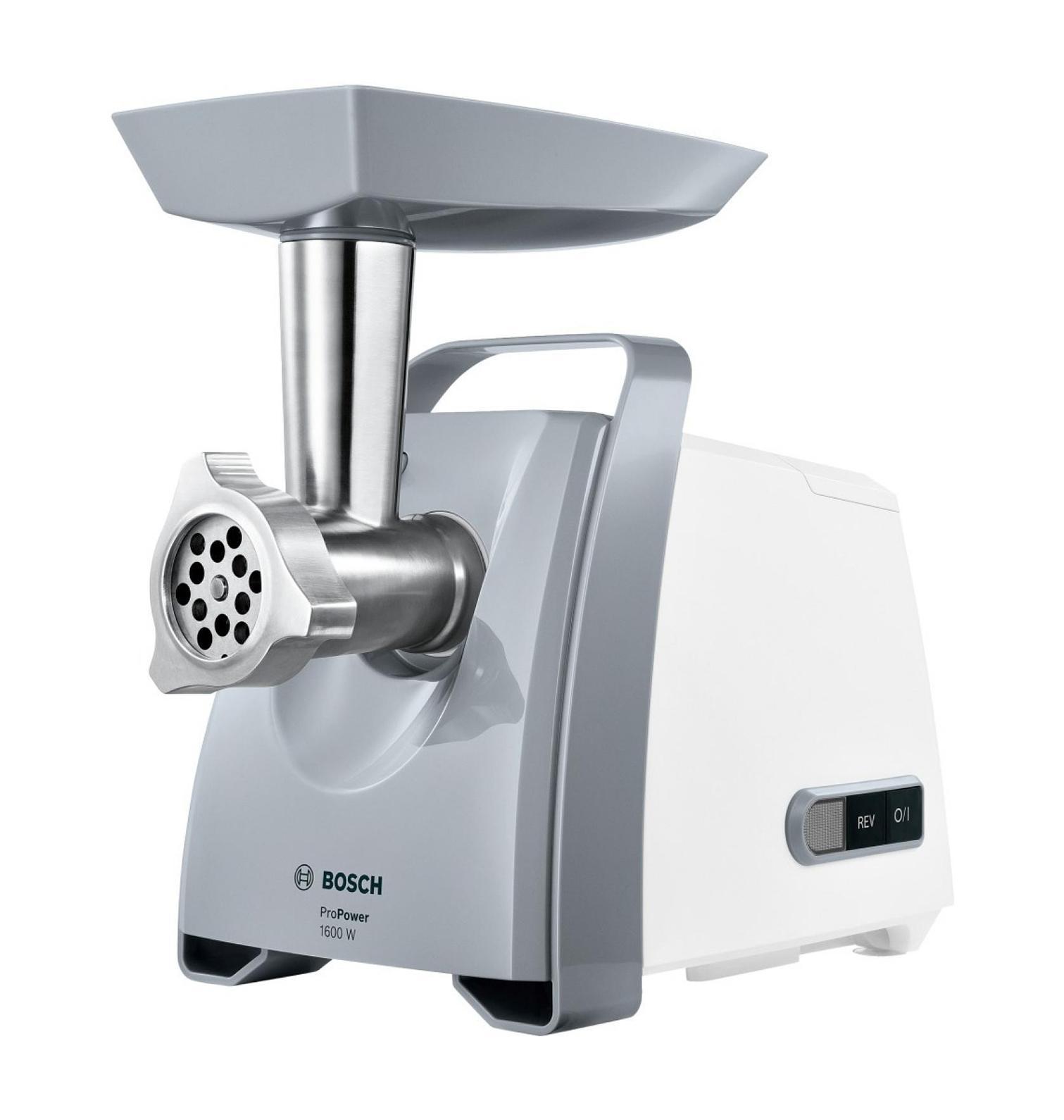 Bosch MFW45020 ProPower, White Silver мясорубкаMFW45020С помощью мясорубки Bosch MFW45020 ProPower вы без труда приготовите фарш нужной консистенции, домашнюю колбасу или кеббе. Функция реверс поможет справиться с застрявшими продуктами, не разбирая прибор. Пластиковый лоток для удобной подачи продуктов. Для хранения формовочных дисков предусмотрен специальный отсек на корпусе устройства, а насадки для приготовления колбас и кеббе можно хранить прямо в толкателе. Мясорубка имеет удобную ручку для переноски. Вакуумные присоски на основании прибора предотвратят его соскальзывание с рабочей поверхности.