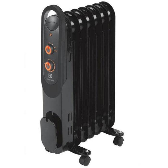 Electrolux 4157M/EOH масляный обогревательEOH/M-4157Electrolux EOH/M-4157 - современная модель масляного радиатора, отличающаяся максимальной безопасностью, высокой надежностью и экологичностью, а также компактными размерами. В качестве наполнителя радиатор использует экологичное масло HD-300, проходящее многоступенчатую систему очистки. Оснащен защитой от опрокидывания. Electrolux EOH/M-4157 имеет простое эргономичное управление, место для хранения шнура питания, а также оснащен ручкой для удобства передвижения. Масляный радиатор Electrolux EOH/M-4157 может работать в трёх режимах обогрева на выбор: Мощность обогрева 600 Вт,мощность обогрева 900 Вт, мощность обогрева 1500 Вт.