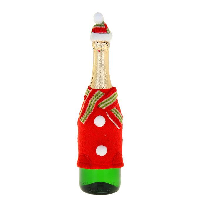 Новогодний чехол на бутылку Sima-land Снеговик. 333461333461Новогодний чехол на бутылку Sima-land Снеговик послужит оригинальным вариантом оформления бутылки вина или шампанского. Чехол выполнен из текстиля в виде кофты с шарфом и шапки на горлышко бутылки. Благодаря специальной резинке, чехол подойдет для любой бутылки и даже обычное шампанское превратится в приятный презент.Размер чехла (минимальный): 11,5 см х 15 см. Размер колпачка: 3,5 см х 3,5 см х 5 см.