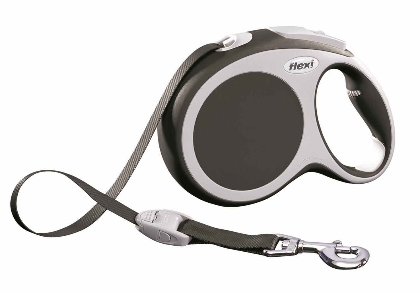 Поводок-рулетка Flexi Vario Compact L для собак до 50 кг, цвет: серый, 8 м020203Поводок-рулетка Flexi Vario Compact L изготовлен из пластика и нейлона. Подходит для собак весом до 50 кг. Ленточный поводок обеспечивает каждой собаке свободу движения, что идет на пользу здоровью и радует вашего четвероногого друга. Рулетка очень проста в использовании. Она оснащена кнопками кратковременной и постоянной фиксации. Ее можно оснастить мультибоксом для лакомств или пакетиков для сбора фекалий, LED подсветкой корпуса, своркой или ремнем с LED подсветкой. Поводок имеет прочный корпус, хромированную застежку и светоотражающие элементы.Длина поводка: 8 м. Максимальная нагрузка: 50 кг.Товар сертифицирован.
