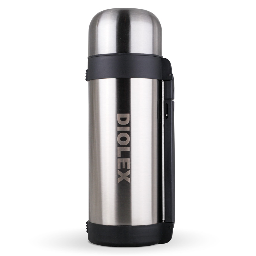 Термос универсальный Diolex, 1,8 лDXH-1800-1Термос Diolex изготовлен из высококачественной нержавеющей стали с матовой полировкой и пластика. Двойная внутренняя колба обеспечивает долгое сохранение температуры содержимого. Термос вакуумный, он плотно закрывается специальным клапаном и дополнительно закручивается крышкой. Пластиковая подвижная ручка и ремешок для переноски делают использование термоса легким и удобным. Термос подходит как для хранения жидкостей, так и пищи. Для еды в комплекте предусмотрен специальный пластиковый контейнер белого цвета. Термос сохраняет напитки и продукты горячими или холодными долгое время.Легкий и прочный термос Diolex идеально подойдет для отдыха на природе и путешествий. Высота термоса (с учетом крышки): 35 см. Диаметр основания: 10,5 см.