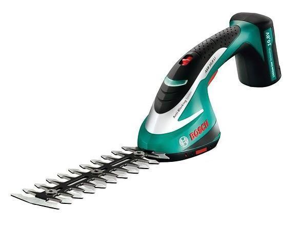 Аккумуляторные ножницы-кусторез ASB 10,8 LI превосходно справляются с различными  работами по приданию формы или стрижке травы и  кустов. Это универсальный, легкий и производительный инструмент ASB 18 LI Set с тремя  насадками в комплекте: кусторез (12 см и 20 см) и  садовые ножницы. Питание от литий-ионного аккумулятора и малый вес обеспечивают  комфортную работу без запутывающихся проводов.  Высококачественные швейцарские ножи - это долговечные и отлично заточенные лезвия.    3-в-1  Высокопроизводительные ножницы для травы и кусторез для подрезания и придания  формы кустам - один инструмент для выполнения трех  различных задач.   Литий-ионная технология BOSCH  Продолжительность работы до 100 мин на одном заряде.  Встроенная литий-ионная  батарея, без саморазряда и эффекта памяти.   Антиблокировочная система  Не дает веткам застревать в ножницах, обеспечивая мощную и непрерывную резку.    Легкий и удобный  Малый вес инструмента и мягкая накладка на ручке обеспечивают комфортную работу.   Система BOSCH-SDS  Простая смена ножа, без дополнительных инструментов.