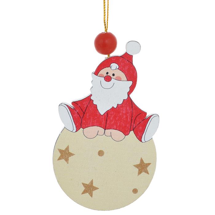 Новогоднее подвесное украшение Sima-land Дед Мороз на шарике. 154248154248Новогоднее украшение Sima-land из дерева отлично подойдет для декорации вашего дома и новогодней ели. Украшение оснащено специальной текстильной петелькой для подвешивания.Елочная игрушка - символ Нового года. Она несет в себе волшебство и красоту праздника. Создайте в своем доме атмосферу веселья и радости, украшая всей семьей новогоднюю елку нарядными игрушками, которые будут из года в год накапливать теплоту воспоминаний.