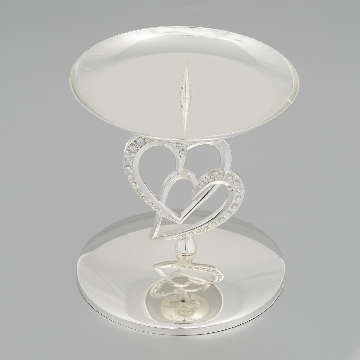 Подсвечник Marquis, высота 12 см. 2164-MR2164-MRПодсвечник Marquis, стилизованный под старину, выполнен из стали с никель-серебряным покрытием. Ножка оформлена сердечками, декорированными стразами. Подсвечник предназначен для тонких классических свечей и свечей таблеток. Свеча устанавливается на чаше с помощью специального шпиля. Такой подсвечник позволит вам украсить интерьер дома или рабочего кабинета оригинальным образом. Вы сможете не просто внести в интерьер своего дома элемент необычности, но и создать атмосферу загадочности и изысканности. Материал: сталь с никель-серебряным покрытием, стекло. Диаметр основания: 11 см. Диаметр (по верхнему краю): 11 см.Высота подсвечника: 12 см.