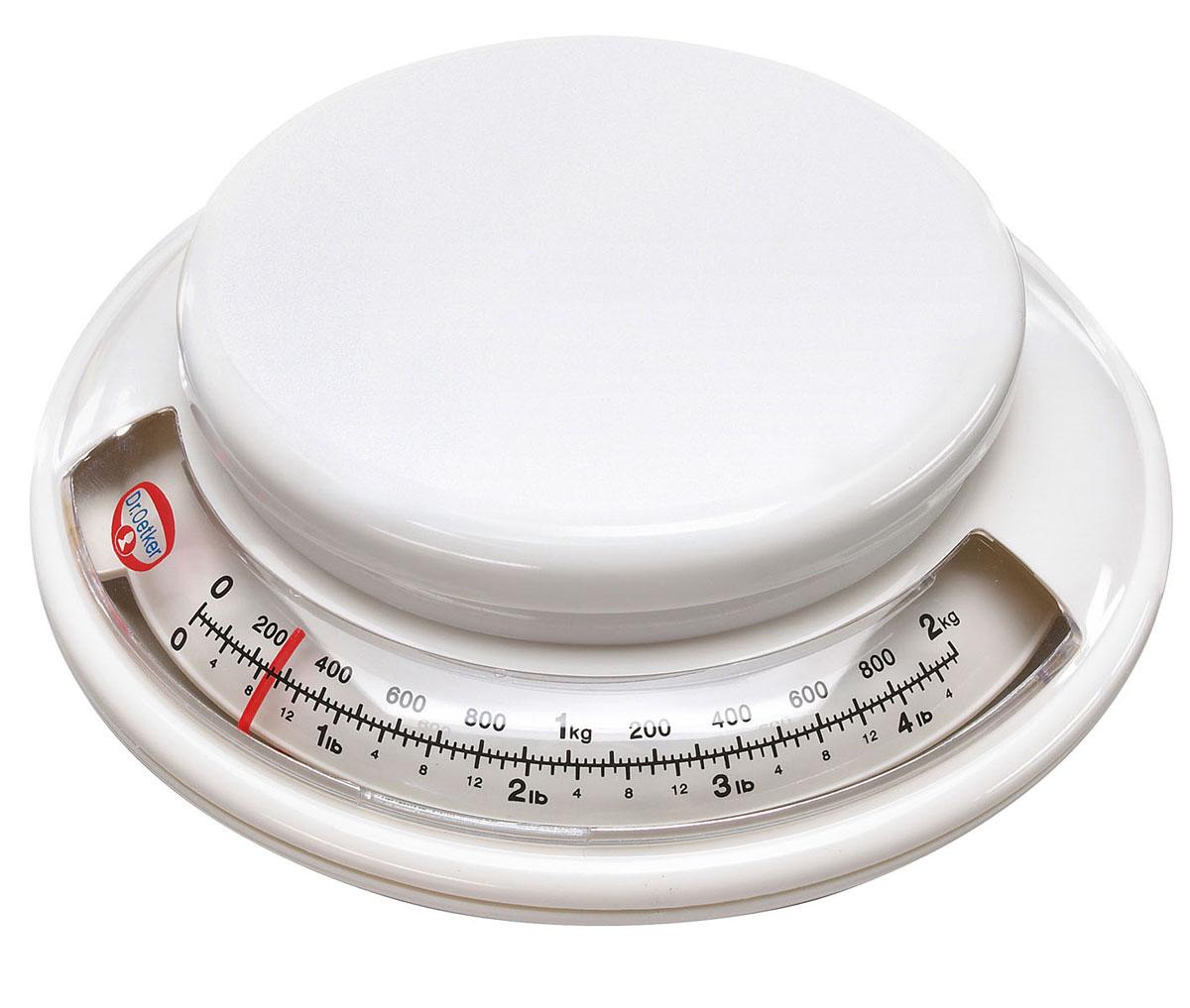 Весы кухонные Dr.Oetker Analoge Backwaage, цвет: белый, до 2 кг1531Механические кухонные весы Dr.Oetker Analoge Backwaage придутся по душе каждой хозяйке и станут незаменимым аксессуаром на кухне. Корпус весов выполнен из пластика. Весы выдерживают до 2 килограммов. С помощью таких механических весов можно точно контролировать пропорции ингредиентов. Диаметр платформы: 12 см.