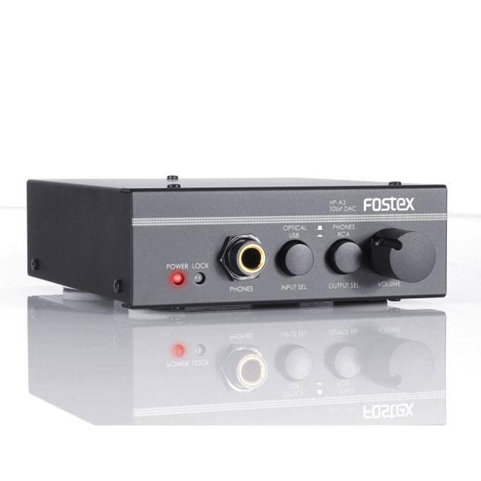 Fostex HP-A3 усилитель для наушников15117547Fostex HP-A3 - это компактный, но высокопроизводительный 32-битный ЦАП с усилителем для наушников. HP-A3 принимает цифровой аудио сигнал с подключенного по USB компьютера или с источника цифрового аудио, подключенного с помощью оптического кабеля, и преобразовывает его в аналоговый сигнал, который подается на выходные разъемы- аналоговые RCA или выход для наушников. Fostex HP-A3 является прекрасным выбором для компьютера. За качественное цифро-аналоговое преобразование отвечает мультибитный ЦАП-чип AK4390 от AsahiKasei Microdevices Corporation, устройство работает с аудиопотоком в качестве до 24 бит / 96 кГц и получает питание от USB, не требуя дополнительных адаптеров.Система фазовой автоподстройки частоты (PLL) для стабильного электропитанияКачественные конденсаторы и ОУ, созданные специально для аудио продукцииВыход на наушники: 6,3 jackЛинейный аудиовыход 3,5 мм
