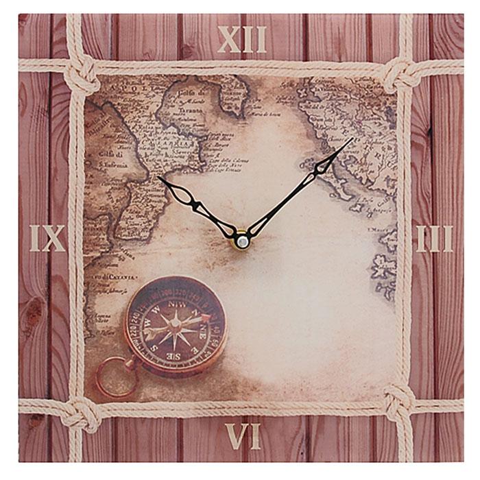 Часы настенные Компас. 2780627806Настенные часы квадратной формы Компас своим эксклюзивным дизайном подчеркнут оригинальность интерьера вашего дома.Часы выполнены из стекла и украшены изображением карты и компаса. Часы имеют две фигурные стрелки - часовую и минутную. Циферблат часов не защищен стеклом. Настенные часы Компас подходят для кухни, гостиной, прихожей или дачи, а также могут стать отличным подарком для друзей и близких. Часы работают от одной батарейки типа АА (не входят в комплект).