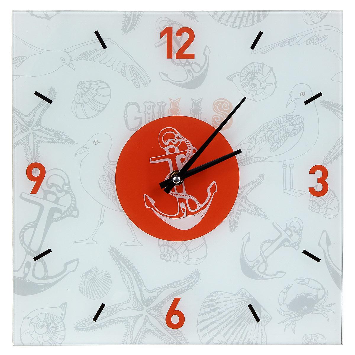 Часы настенные Морские. 2780827808Настенные часы квадратной формы Морские своим эксклюзивным дизайном подчеркнут оригинальность интерьера вашего дома.Часы выполнены из стекла и украшены изображением чаек, якорей, ракушек и морских звезд. Часы имеют две стрелки - часовую и минутную. Циферблат часов не защищен стеклом. Настенные часы Морские подходят для кухни, гостиной, прихожей или дачи, а также могут стать отличным подарком для друзей и близких. Часы работают от одной батарейки типа АА (не входят в комплект).