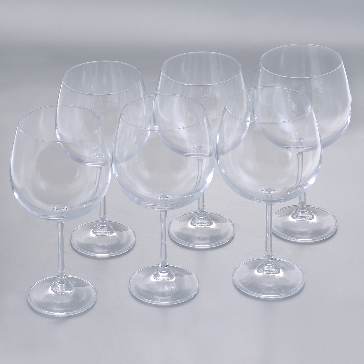 Набор бокалов для красного вина Crystalite Bohemia Барбара, 670 мл, 6 шт1SD22/670Набор Crystalite Bohemia Барбара состоит из шести бокалов, выполненных из прочного высококачественного прозрачного стекла. Изделия оснащены изящными тонкими ножками. Бокалы предназначены для подачи красного вина. Они излучают приятный блеск и издают мелодичный звон. Бокалы сочетают в себе элегантный дизайн и функциональность. Благодаря такому набору пить напитки будет еще вкуснее.Набор бокалов Crystalite Bohemia Барбара прекрасно оформит праздничный стол и создаст приятную атмосферу за романтическим ужином. Такой набор также станет хорошим подарком к любому случаю. Не использовать в посудомоечной машине и микроволновой печи.