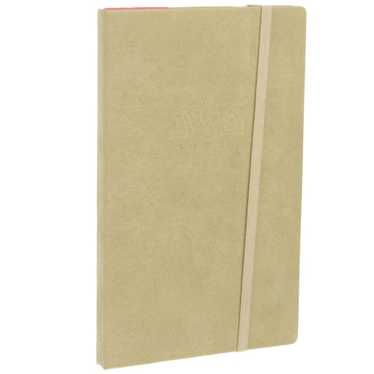 Записная книжка Erich Krause Ethnic, цвет: бежевый, 96 листов36783Записная книжка Erich Krause Ethnic - это дополнительный штрих к вашему имиджу. Демократичная в своем содержании, книжка может быть использована не только для личных пометок и записей, но и как недатированный ежедневник. Надежная твердая обложка из плотного картона, обтянутого приятным на ощупь текстильным материалом, сохранит ее в аккуратном состоянии на протяжении всего времени использования. Плотная в линейку бумага белого цвета, закладка-ляссе, практичные скругленные углы, эластичная петелька для ручки и внутренний бумажный карман на задней обложке - все это обеспечит вам истинное удовольствие от письма. В начале книжки имеется страничка для заполнения личных данных владельца, четыре страницы для заполнения адресов, телефонов и интернет-почты и четыре страницы для заполнения сайтов и ссылок. Благодаря небольшому формату книжку легко взять с собой. Записная книжка плотно закрывается при помощи фиксирующей резинки.