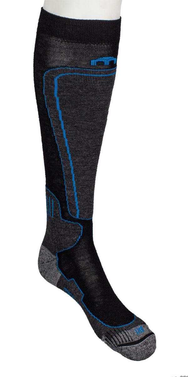 Носки горнолыжные MICO, цвет: черный, синий. 0114. Размер L (41/43)114_220- Мериносовая шерсть предохраняет от холода и обладает природными бактериостатическими свойствами.- Высокотехнологичные нити полиамида обеспечивают быстрое отведение влаги от ноги.- Лайкра повышает эластичность носка и сохраняет форму.- В область носка и пятки добавлены особо прочные нити кордура которые повышают износостойкость носка.- Плоские швы не натирают ногу при длительном использовании.- Дополнительная защита голени и в области голеностопного сустава.- Дополнительные эластичные вставки в области голеностопа и в области стопы.- Мягкая резинка по верху носка не сжимает ногу и не дает ощущения сдавливания при длительном использовании.- Специальное плетение в области стопы фиксирует ногу при занятиях спортом и ходьбе и не дает скользить стопе вперед.- Система: Левый-Правый обеспечивает идеальную посадку на стопе без складок и загибов.Итальянская компания MICO один из ведущих производителей носков и термобелья на Европейском рынке для занятий различными видами спорта. Носки предназначены для занятий различными видами спорта, в том числе для носки в городе в очень холодную погоду.