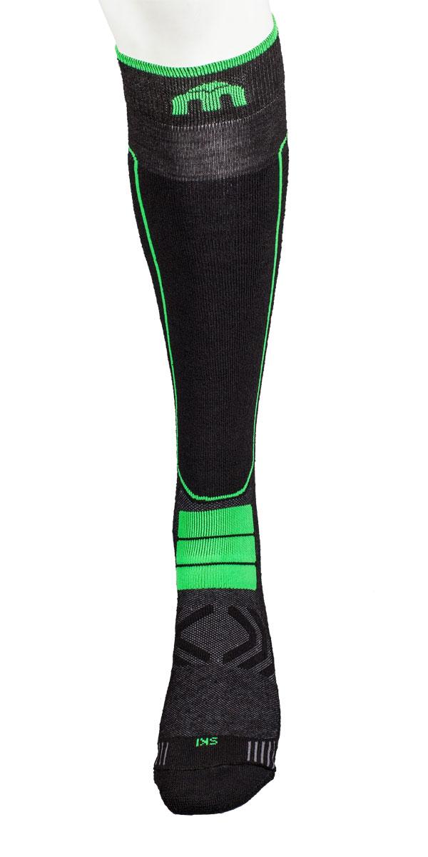 - Носок имеет двойную структуру: внутренний слой состоит из полипропилена Micotex.- Волокна полиамида дают добавляют носку прочности и эластичности.- Лайкра повышает эластичность носка и сохраняет форму.- Дополнительная защита голени.- Мягкая резинка по верху носка не сжимает ногу и не дает ощущения сдавливания даже при длительном использовании.- Специальное плетение в области стопы фиксирует ногу при занятиях спортом и ходьбе и не дает скользить стопе вперед.Итальянская компания MICO один из ведущих производителей носков и термобелья на Европейском рынке для занятий различными видами спорта. Носки предназначены для занятий различными видами спорта, в том числе для носки в городе в очень холодную погоду.