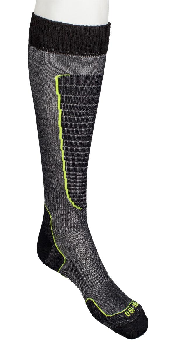 Носки горнолыжные Mico Ski, цвет: черный, желтый. 0230. Размер L (41/43)0230_604- Носок очень мягкий.- Идеально подходит для горнолыжных ботинок с термо-формовкой. - Дополнительная защита голени. - Мягкая резинка по верху носка не сжимает ногу и не дает ощущения сдавливания даже при длительном использовании. - Специальное плетение в области стопы фиксирует ногу при занятиях спортом и ходьбе и не дает скользить стопе вперед. Итальянская компания MICO один из ведущих производителей носков и термобелья на Европейском рынке для занятий различными видами спорта. Носки предназначены для для занятий различными видами спорта, в том числе для носки в городе в очень холодную погоду.
