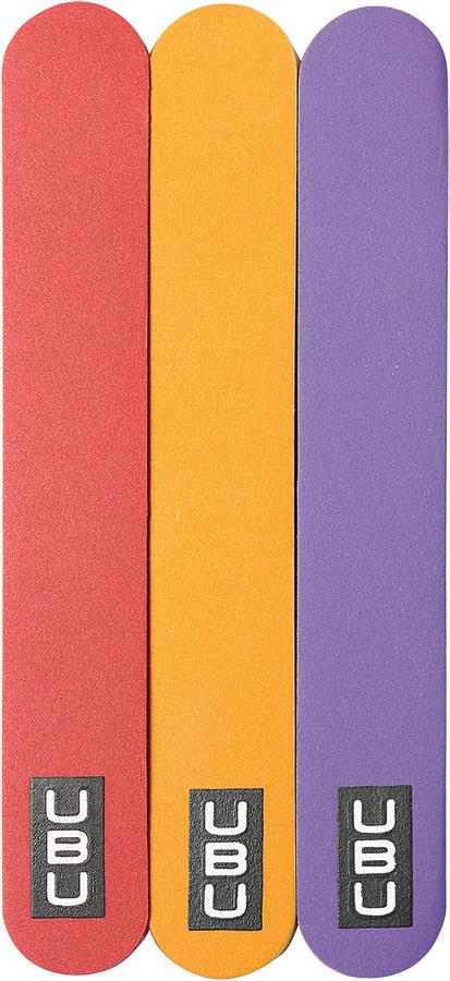 UBU Полировка для ногтей, 3 шт. 19-507619-5076Полировка для ногтей UBU - это наилучший выбор для придания формы и блеска ногтям. Пилки изготовлены из полимерного материала и имеют мелкозернистую шероховатую поверхность, износостойкую и долговечную. Используйте цветную сторону пилочек для устранения несовершенств ногтевой пластины, а белую - для полировки ногтя. Яркие пилочки придадут ногтям естественный блеск, сделав их просто ослепительными. Товар сертифицирован. Длина пилочки: 10 см. Ширина пилочки: 1,7 см.