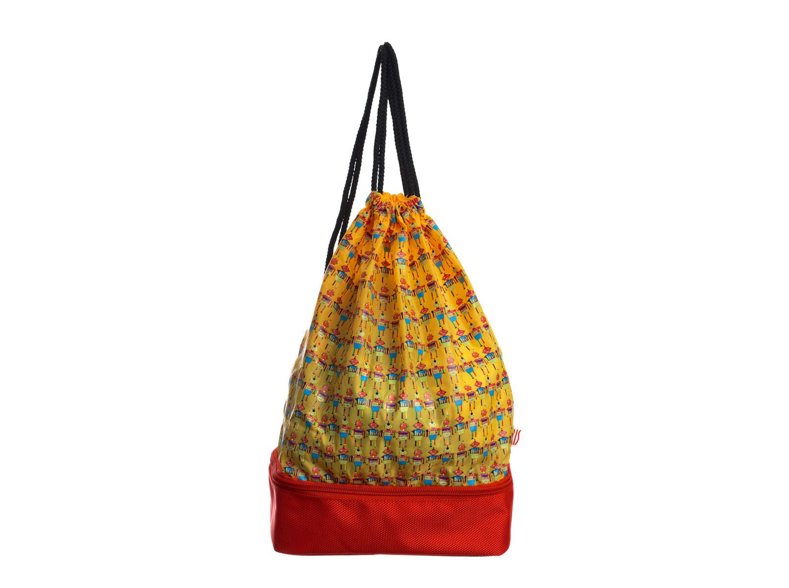 Рюкзак-термоланчбокс Iris Barcelona Snack Rico, цвет: желтый, красный9927-TRCВ рюкзаке Iris Barcelona Snack Rico два-в-одном найдется и место для целого обеда, который соберет заботливая мама, и место для всего, что может понадобиться в любой момент: халата или пижамы, свитера, дождевика, книжек, пенала и многого другого! Нижнее изотермическое отделение обладает большой вместительностью и позволяет взять с собой бутерброды, фрукты и разные сладости, а благодаря специальному сетчатому кармашку ребенок не забудет воспользоваться салфеткой.Можно носить как обычный рюкзак. Благодаря регулировке шнурков, можно выбрать наиболее удобную длину. В комплект входит подарок – забавный брелок для ключей из коллекции Snack Rico.