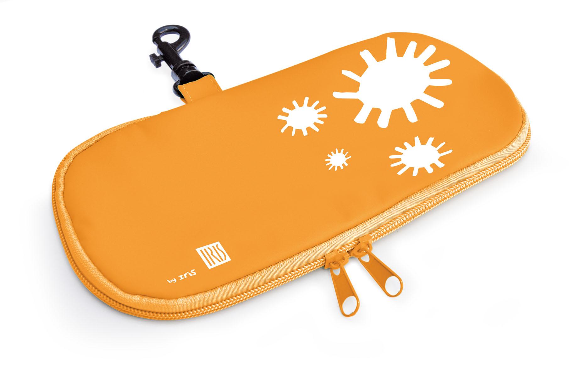 Термобутербродница мягкая Iris Barcelona Kids, цвет: оранжевый, 24 см х 12 см9928-TNМягкая термобутербродница Iris Barcelona Kids идеально подходит, чтобы взять в школу, на прогулку или в поездку. В течение нескольких часов сохранит еду свежей и вкусной благодаря специальному внутреннему покрытию из теплоизолирующего материала. Специальный фиксирующий поясок не позволит бутерброду распасться. Безопасный пластмассовый карабин позволит легко пристегнуть бутербродницу к ранцу или сумке. Заменяет все одноразовые упаковки. При бережном использовании прослужит не один год.