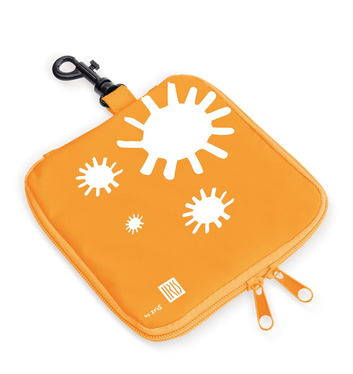 Термобутербродница мягкая Iris Barcelona Kids, цвет: оранжевый, 16 см х 16 см9929-TNМягкая термобутербродница Iris Barcelona Kids идеально подходит, чтобы взять в школу, на прогулку или в поездку. В течение нескольких часов сохранит еду свежей и вкусной благодаря специальному внутреннему покрытию из теплоизолирующего материала. Специальный фиксирующий поясок не позволит бутерброду распасться.Безопасный пластмассовый карабин позволит легко пристегнуть бутербродницу к ранцу или сумке.Заменяет все одноразовые упаковки. При бережном использовании прослужит не один год.