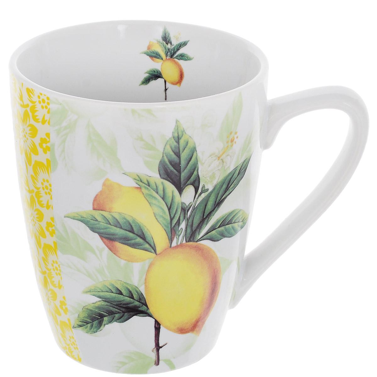 Кружка Лимон, 380 мл214180Кружка Лимон, изготовленная из высококачественной керамики, декорирована изображением двух лимонов на ветке. Такая кружка придется по вкусу ценителям утонченности и изысканности.Кружка послужит не только приятным подарком, но и практичным сувениром.