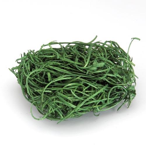 """Древесная стружка """"Hobby Time"""" является оригинальным натуральным   материалом для декора, флористики и упаковки подарков. Естественная   пластичная древесина из лиственных пород деревьев (без   смолы) при небольшом увлажнении становится податливым материалом,   которому можно придать необходимую форму. Тонкая стружка, сухая,   экологически чистая, специально подготовленная. Могут встречаться волокна   более темного или серого цвета - это нормально для натуральной древесины,   которая со временем темнеет при контакте с воздухом. Стружка окрашивается в различные цвета и часто применяется в ландшафтном   дизайне, изготовлении цветочных композиций, подарочных корзин,   декорировании цветочных горшков, рамок, стен, в скрапбукинге, для упаковки   хрупких предметов и много другого. Такой материал можно комбинировать с различными аксессуарами, как с   природными - веточки, шишки, скорлупа, кора, перья так и с искусственными -   стразы, бисер, бусины. Уникальная токая структура волокон позволят создавать   новые формы.   Вес: 20 г."""