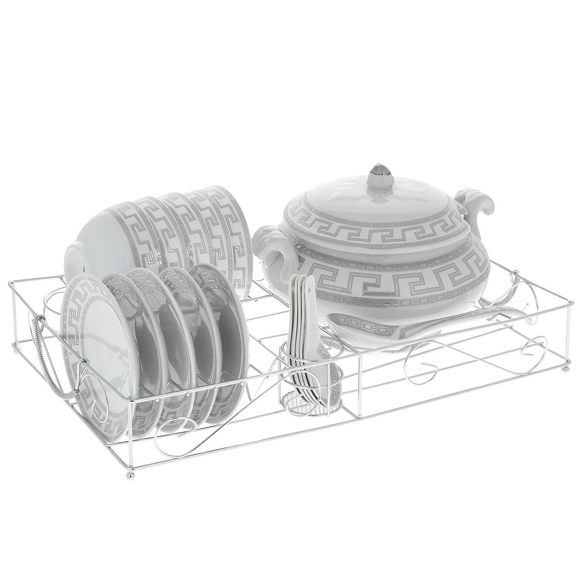 Сервиз Bekker Premium на подставке, 22 предмета. BK-7243BK-7243Сервиз Bekker Premium изготовлен из высококачественного фарфора. В набор входят 6 плоских тарелок, 6 пиал, 6 ложек, половник, супница с крышкой. Изделия декорированы оригинальным орнаментом. Предметы набора компактно располагаются на металлической подставке. Сервиз создаст отличное настроение во время обеда, будет уместен на любой кухне и понравится каждой хозяйке. Практичный и современный дизайн делает набор довольно простым и удобным в эксплуатации. Изделия можно использовать в микроволновой печи и посудомоечной машине.