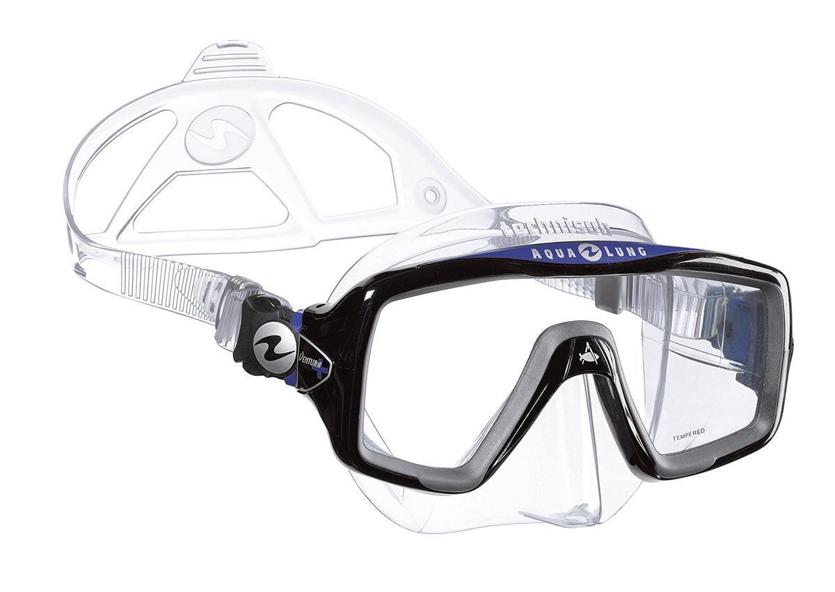 Маска для плавания Technisub Ventura Plus, цвет: прозрачный силикон, синий, черныйTN118910Маска для плавания Ventura Plus - это новая версия проверенной временем маски Ventura, предназначена для любителей сноркелинга. Новый более стильный дизайн, большой угол обзора и карданные пряжки делают эту модель привлекательной и для дайверов. Основные особенности: Легкая однолинзовая маска;Широкий угол обзора;Быстрая и легкая регулировка натяжения ремешка;Обтюратор из гипоаллергенного силикона;Линзы из каленого стекла. Обтюратор и ремешок маски сделаны из качественного силикона, обеспечивающего мягкость и плотность прилегания в сочетании с комфортом. Силикон LSR не вызывает аллергию, а также сочетает отличную степень прозрачности с устойчивостью к воздействию ультрафиолетовых лучей в отличии резины. Корпус маски сделан из высокопрочного поликарбоната. Линзы традиционно выполнены из каленого стекла, что обеспечивает безопасность.Маска продается в специальном пластиковом контейнере, удобном для хранения и перевозки маски.Советы: Как пользоваться маской и трубкой Характеристики: Количество линз: 1. Цвет: синий, черный, прозрачный. Ширина оправы маски: 17,5 см. Размер упаковки: 19 см x 10 см x 10 см. Материал: силикон, стекло, пластик. Артикул: TN118910.Производитель: Италия.