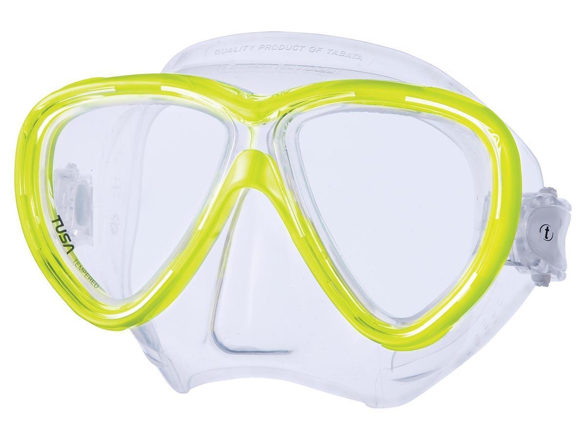 Маска для плавания Tusa Freedom One, цвет: желтыйTS M-211 FYНовинка 2013 года.В маске применен ряд новых революционных технологий, обеспечивающих комфорт и прилегание маски к лицу. Ячеистая структура обтюратора переменной величины и диаметра в районе скул и по краям лба делают его более мягким и эластичным, что обеспечивает лучшее прилегании и уменьшает вероятность протекания.Переменная толщина силикона обтюратора в районе рта и нижней части носа делают процесс использования трубки максимально комфортным.Обтюратор по линии соприкосновения с кожей имеет поверхность пониженного трения и большую площадь соприкосновения с кожей.В данной маске применена недавно разработанная низкопрофильная пряжка, которая крепится прямо к силиконовому обтюратору.В результате получается компактная, легкая и технологически более совершенная модель маски, которую можно просто и быстро настроить под себя, добившись оптимального прилегания. Характеристики: Цвет: желтый. Ширина оправы маски: 16 см. Размер упаковки: 20 см x 10,5 см x 11 см. Материал: силикон, стекло, пластик. Артикул: TS M-211 FY.Производитель: Тайвань.