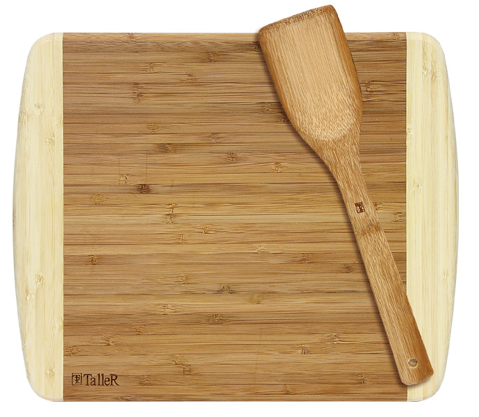Доска разделочная Taller, с лопаткой, бамбуковая, 34,5 х 29,5 смTR-2204Прямоугольная разделочная доска Taller изготовлена из высококачественной древесины бамбука с разным цветом древесины. Доски из бамбука обладают высокими антибактериальными свойствами, имеют высокую плотность структуры древесины, а также устойчивы к механическим воздействиям. В комплект входит бамбуковая лопатка.Функциональная и простая в использовании, разделочная доска Taller прекрасно впишется в интерьер любой кухни и прослужит вам долгие годы.