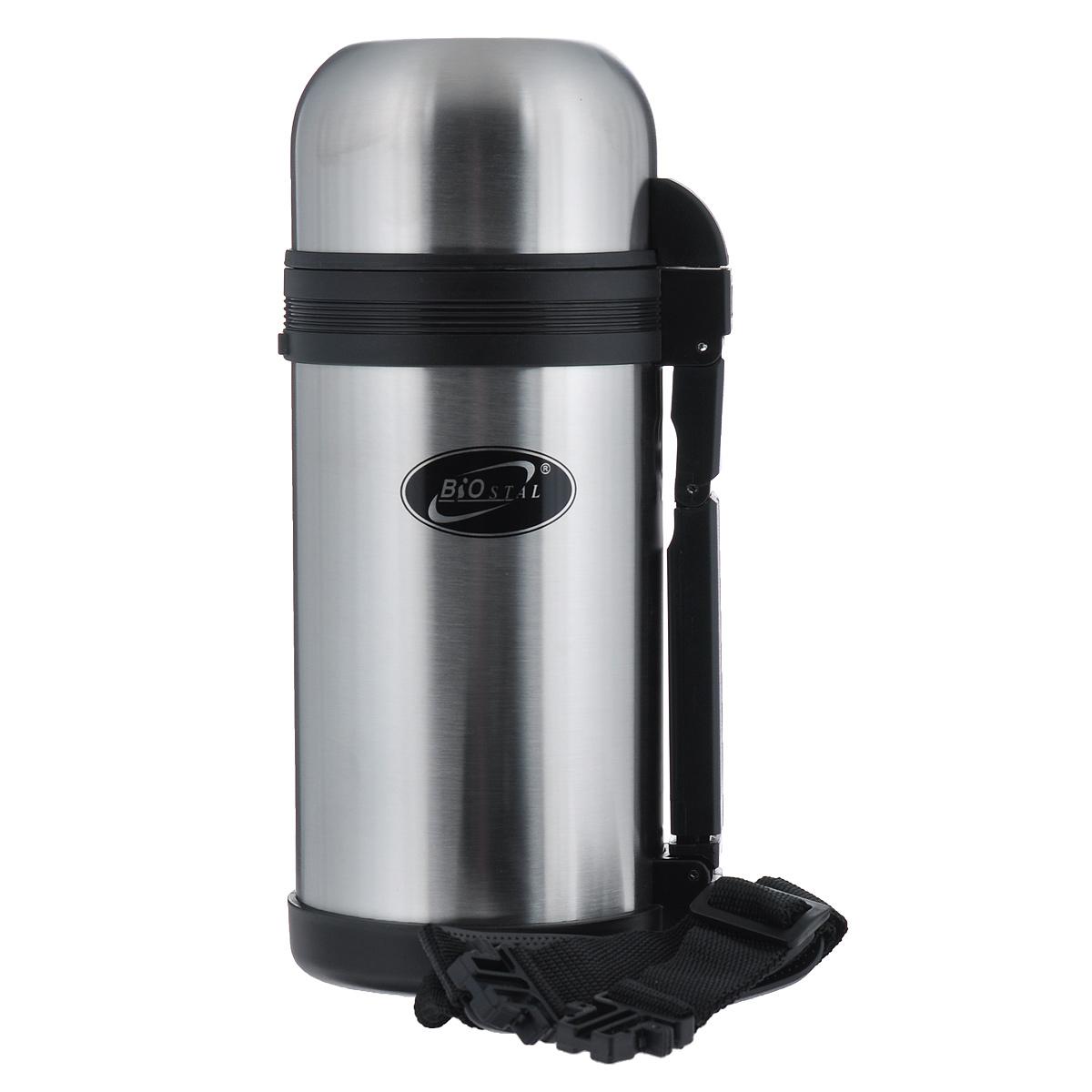 """Универсальный пищевой термос """"BIOSTAL"""", изготовленный из высококачественной нержавеющей стали, относится к классической серии. Термосы этой серии, являющейся лидером продаж, просты в использовании, экономичны и многофункциональны. Универсальный термос выполняет функции термоса для еды (первого или второго) и термоса для напитков (кофе, чая). Это достигается благодаря специальной универсальной пробке, которая изготовлена из прочного пластика, легко разбирается для мытья и, обладая дополнительной теплоизоляцией, позволяет термосу дольше хранить тепло. Конструкция пробки позволяет использовать термос, как для напитков, так и для первых и вторых блюд. Изделие оснащено удобной ручкой, ремешком для переноски, крышкой-чашкой и дополнительной пластиковой чашкой.  Легкий и прочный термос """"BIOSTAL"""" сохранит ваши напитки и продукты горячими или холодными надолго."""