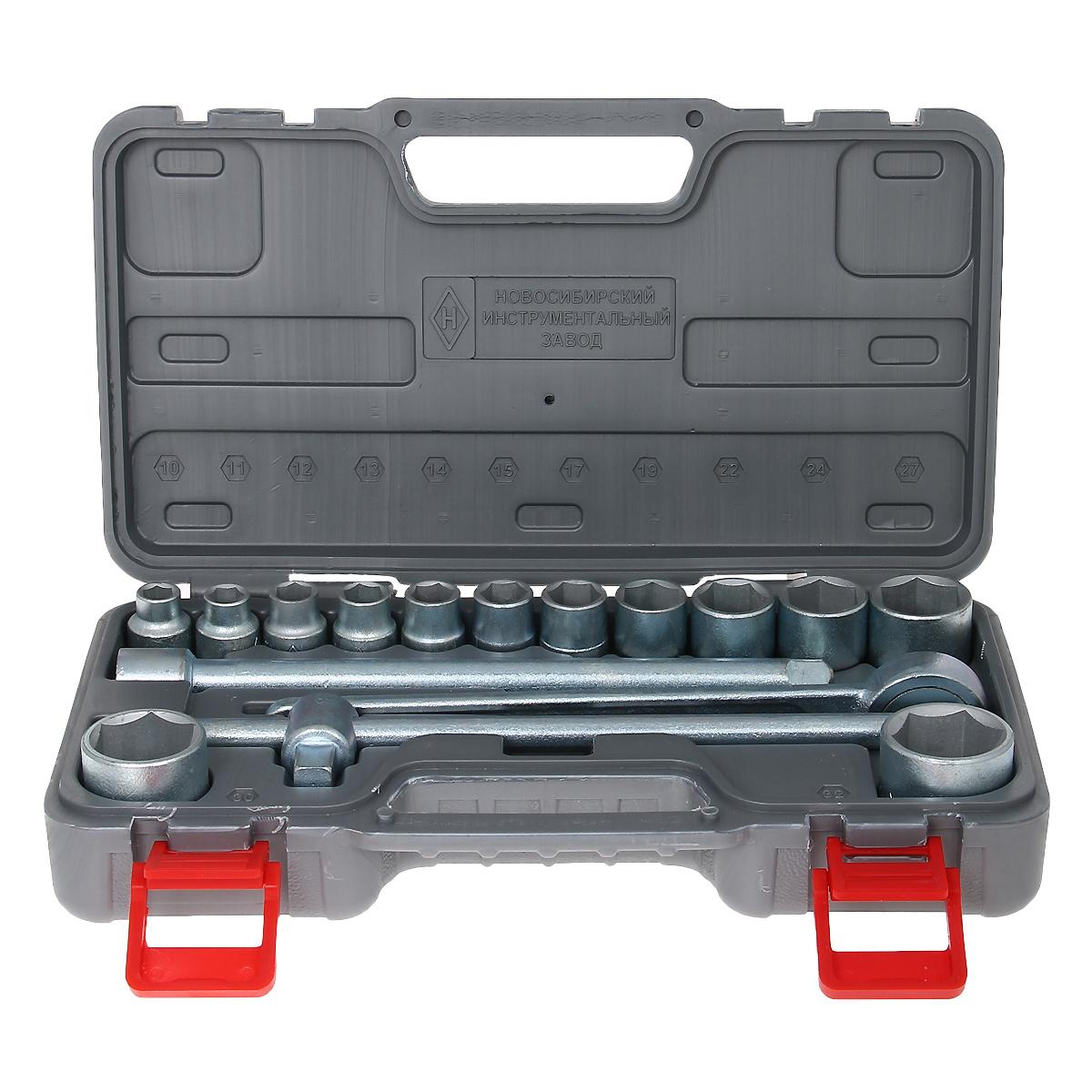 Набор шоферского инструмента № 2 НИЗ, 16 предметов13442Набор шоферского инструмента № 2 НИЗ включает: - головки сменные 1/2 10, 11, 12, 13, 14, 15, 17, 19, 22, 24, 27, 30 и 32 мм, - ключ с присоединительным квадратом 1/2,- трещоточный ключ 1/2,- удлинитель 250 мм 1/2.Все инструменты изготовлены из инструментальной стали 40Х и оцинкованы. Набор укомплектован в пластиковый кейс. Материал: инструментальная сталь, пластик.