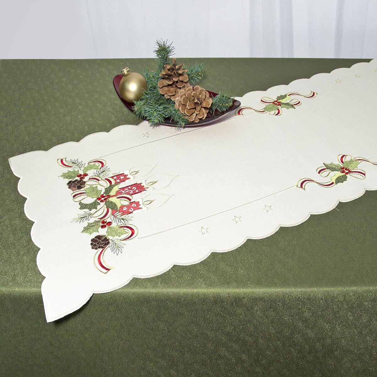 Дорожка для декорирования стола Schaefer, прямоугольная, цвет: бежевый, красный, 40 x 110 см 07488-23307488-233Прямоугольная дорожка Schaefer, выполненная из полиэстера и украшенная вышивкой в виде рождественских свечей, предназначена для декорирования стола, комода или тумбы. Дорожка имеет волнистые края. Изысканное оформление изделия придает ему необыкновенную легкость.Благодаря такой дорожке вы защитите поверхность мебели от воды, пятен и механических воздействий, а также создадите атмосферу уюта и домашнего тепла в интерьере вашей квартиры. Изделия из искусственных волокон легко стирать: они не мнутся, не садятся и быстро сохнут, они более долговечны, чем изделия из натуральных волокон.