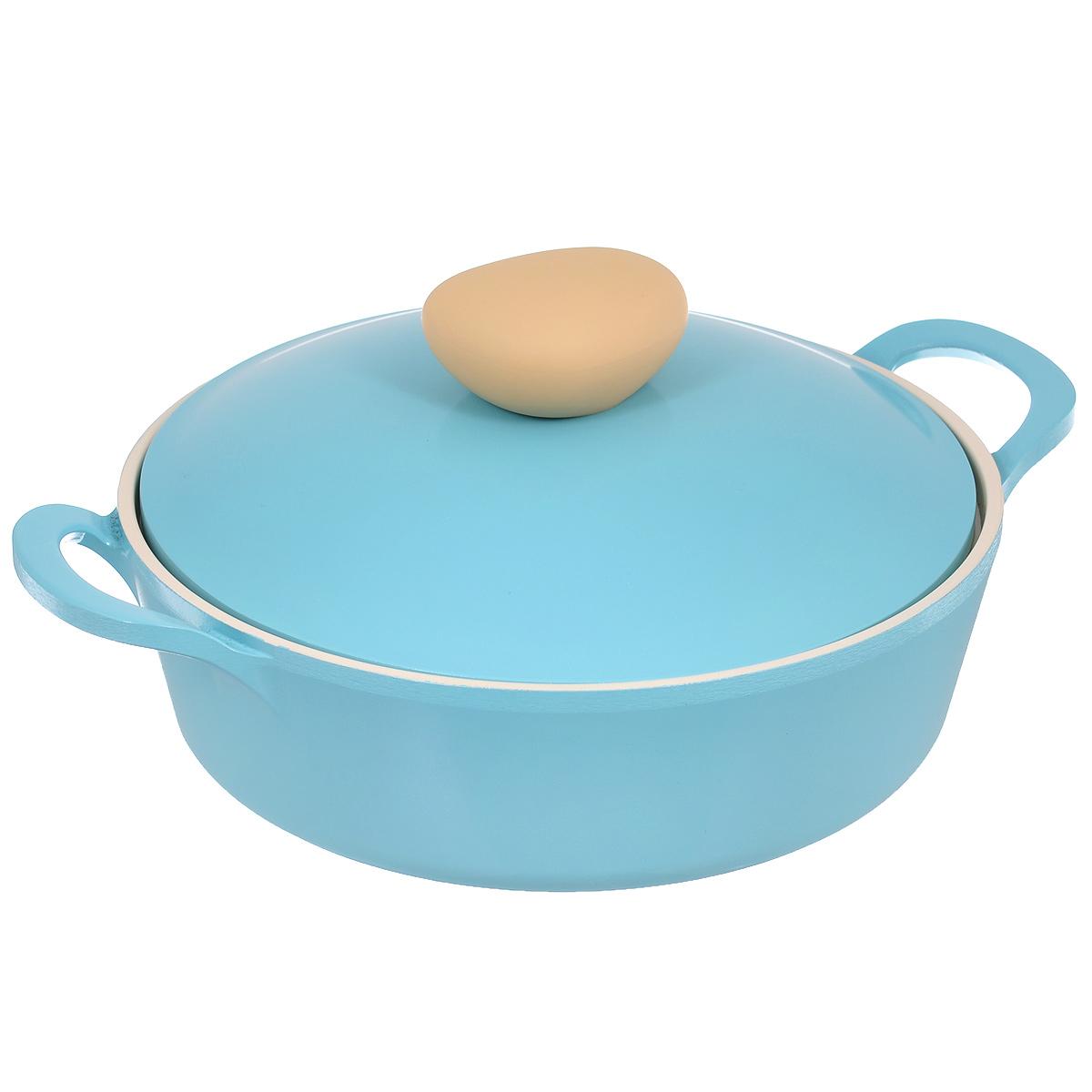 Жаровня Frybest Round с крышкой, с керамическим покрытием, цвет: голубой, 2 лROUND L22-BЖаровня Frybest Round выполнена из алюминия с внутренним и внешним керамическим покрытием Ecolon Superior. Такое покрытие устойчиво к повреждениям и не содержит вредных компонентов, так как изготовлено из натуральных материалов. Жаровня оснащена удобными литыми алюминиевыми ручками и крышкой с пароотводом и прорезиненной ручкой из высококачественного пластика. Коллекция Round - это сочетание непревзойденного качества и элегантности.Ключевые преимущества:- Литой алюминиевый корпус хорошо проводит тепло и равномерно нагревается, обеспечивая наиболее эффективное приготовление пищи,- Крепления ручек не имеют заклепок на внутренней стороне посуды,- Внешнее и внутреннее покрытие устойчиво к царапинам и повреждениям,- Покрытие абсолютно нейтрально и не вступает в реакцию с пищей,- Легко моется,- Утолщенное дно для лучшего распространения тепла и экономии энергии,- Благодаря равномерно прогревающейся алюминиевой крышке в процессе приготовления блюд создается эффект томления, еда готовится быстрее и приобретает более насыщенный вкус и аромат,- Встроенный в крышку пароотвод предотвращает выкипание,- Уникальная технология напыления стальных частиц на дно изделия,- Не содержит PFOA. Можно мыть в посудомоечной машине. Подходит для электрических, газовых, стеклокерамических, индукционных плит.
