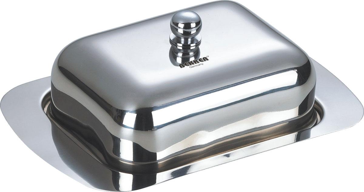 """Масленка """"Bekker"""" изготовлена из высококачественной нержавеющей стали с зеркальной полировкой. Масленка представляет собой поднос с выемками, благодаря которым крышка плотно на него устанавливается. В такой масленке масло надолго останется вкусным и свежим.  Масленка """"Bekker"""" станет достойным дополнением коллекции ваших кухонных аксессуаров.    Размер масленки (ДхШхВ): 18,7 см х 12,3 см х 6,5 см.  Толщина стенки: 0,5 мм."""