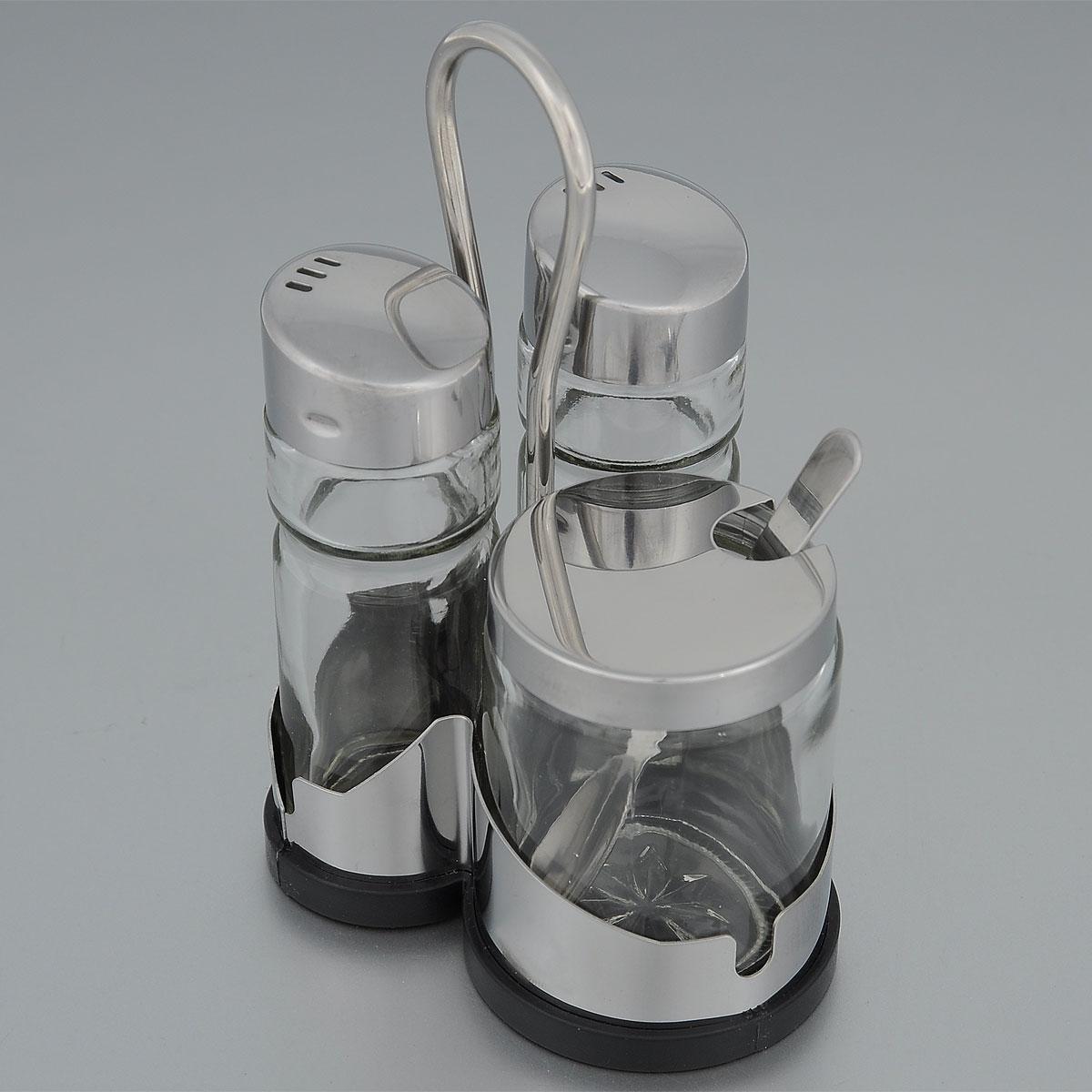 Набор диспенсеров для соли, перца и горчицы Fackelmann, с ложечкой, 4 предмета46869Набор Fackelmann состоит из двух диспенсеров для соли и перца и емкости для горчицы с ложечкой. Предметы из набора выполнены из стекла и оснащены крышками из нержавеющей стали. Диспенсеры легко заполнить, достаточно открутить крышку и насыпать внутрь соль или перец. Емкости расположены на пластиковой подставке черного цвета с ручкой для удобной переноски.Набор Fackelmann изысканно украсит кухонный стол и станет незаменимым аксессуаром на вашей кухне. Можно мыть в посудомоечной машине.
