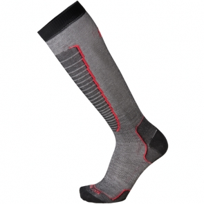 Носки горнолыжные MICO, цвет: черный, красный. 230_193. Размер XL (44-46)230_193- Носок очень мягкий.- Идеально подходит для горнолыжных ботинок с термо-формовкой. - Дополнительная защита голени. - Мягкая резинка по верху носка не сжимает ногу и не дает ощущения сдавливания даже при длительном использовании. - Специальное плетение в области стопы фиксирует ногу при занятиях спортом и ходьбе и не дает скользить стопе вперед. Итальянская компания MICO один из ведущих производителей носков и термобелья на Европейском рынке для занятий различными видами спорта. Носки предназначены для для занятий различными видами спорта, в том числе для носки в городе в очень холодную погоду.