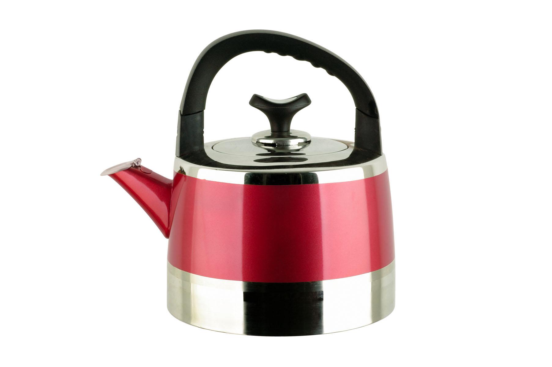 Чайник Bekker Koch со свистком, цвет: красный, 3 л. BK-S447BK-S447Чайник Bekker Koch изготовлен из высококачественной нержавеющей стали 18/10 с зеркальной полировкой и красной полосой по центру. Цельнометаллическое дно распределяет тепло по всей поверхности, что позволяет чайнику быстро закипать. Эргономичная подвижная ручка выполнена из бакелита черного цвета. Носик оснащен откидным свистком, который подскажет, когда вода закипела. Широкое отверстие по верхнему краю позволяет удобно наливать воду. Оригинальный дизайн эффектно дополнит интерьер кухни.Подходит для всех типов плит, включая индукционные. Можно мыть в посудомоечной машине.