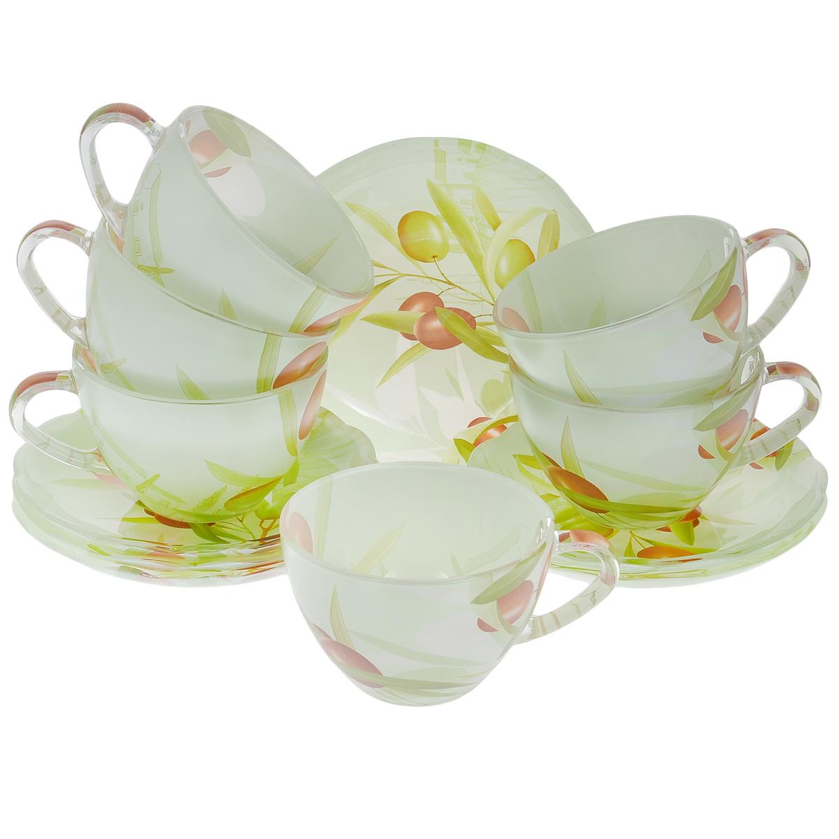 Набор посуды Оливки, 12 предметов10151-12Набор посуды состоит из 6 блюдец и 6 чашек. Изделия выполнены из высококачественного стекла и оформлены изображением ветки с оливками. Этот набор эффектно украсит стол, а также прекрасно подойдет для торжественных случаев. Красочность оформления придется по вкусу и ценителям классики, и тем, кто предпочитает утонченность и изящность.Объем чашки: 210 мл.