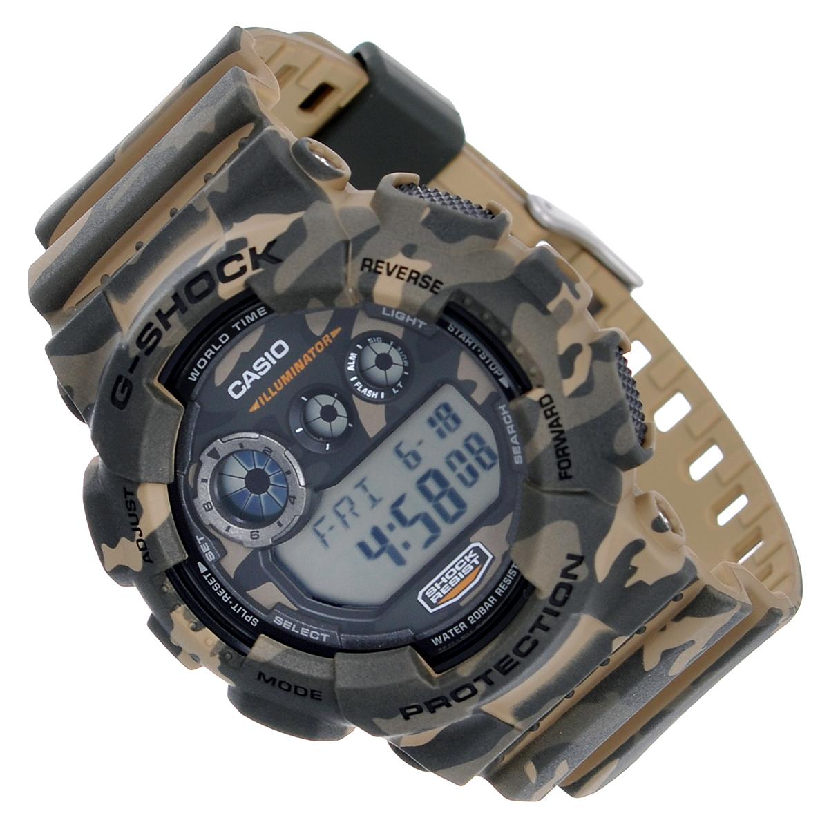Часы мужские наручные Casio G-Shock, цвет: серый, камуфляж. GD-120CM-5EGD-120CM-5EСтильные часы G-Shock от японского брэнда Casio - это яркий функциональный аксессуар для современных людей, которые стремятся выделиться из толпы и подчеркнуть свою индивидуальность. Часы выполнены в спортивном стиле. Корпус имеет ударопрочную конструкцию, защищающую механизм от ударов и вибрации. Циферблат подсвечивается светодиодной автоматической подсветкой. При движении руки дисплей освещается ярким светом. Ремешок из мягкого пластика имеет классическую застежку.Основные функции: -5 будильников, один из которых с функцией Snooze, ежечасный сигнал; -автоматический календарь (число, месяц, день недели, год); -сплит-хронограф; -секундомер с точностью показаний 1/100 с, время измерения 24 часа; -12-ти и 24-х часовой формат времени; -таймер обратного отсчета от 1 мин до 24 ч; -мировое время; -функция включения/отключения звука.Часы упакованы в фирменную коробку с логотипом Casio. Такой аксессуар добавит вашему образу стиля и подчеркнет безупречный вкус своего владельца.Характеристики: Диаметр циферблата: 3,7 см.Размер корпуса: 5,8 см х 5,4 см х 2 см.Длина ремешка (с корпусом): 25,5 см.Ширина ремешка: 2,2 см. STAINLESS STELL BACK MADE IN CHINA EL.