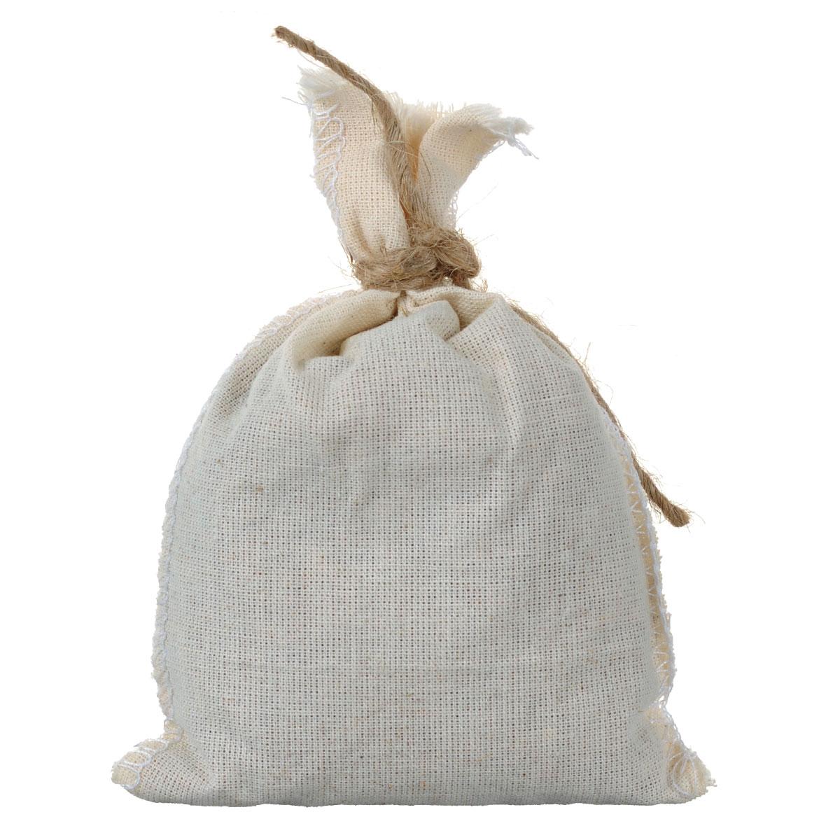 Запарка банная травяная Можжевельник и зверобой, 30 гБ2152Травяная запарка для бани Можжевельник и зверобой позволит расслабиться и насладиться приятным ароматом натуральных трав. Живительная сила 100% натуральных травяных сборов способствует оздоровлению всего организма: - укрепляет иммунитет, - тонизирует, - витаминизирует, - выводит токсины, - рекомендована профессиональными парильщиками. Применение для бани и ванн: Мешочек заливается кипятком (3 л) и настаивается 15-20 минут. Емкость желательно закрыть крышкой. Рекомендуется принимать ванну в течение 15 минут.
