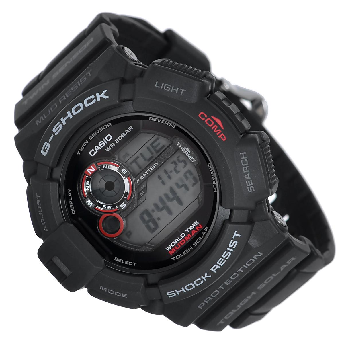 Часы мужские наручные Casio G-Shock, цвет: черный. G-9300-1EG-9300-1EСтильные кварцевые часы G-Shock от японского брэнда Casio - это яркий функциональный аксессуар для современных людей, которые стремятся выделиться из толпы и подчеркнуть свою индивидуальность. Часы выполнены в спортивном стиле. Корпус имеет ударопрочную конструкцию, защищающую механизм от ударов и вибрации. Циферблат подсвечивается электролюминесцентной подсветкой. Подсветка активируется при недостаточном свете и выключается, когда освещения достаточно. Ремешок из пластика имеет классическую застежку. Основные функции: -5 будильников, один с функцией Snooze, ежечасный сигнал; -автоматический календарь (число, месяц, день недели, год); -секундомер с точностью показаний 1/100 с и временем измерения 1000 ч; -мировое время; -таймер обратного отсчета от 1 мин до 24 ч с автоповтором; -12-ти и 24-х часовой формат времени;-защита от попадания внутрь пыли и грязи; -функция автоматического сохранения энергии (отключает LCD дисплей); -встроенный цифровой компас;-отображение возраста и фазы луны; -встроенный датчик температуры от -10° до +60°С с точностью 0,1°C;-функция включения/отключения звука. Питание от солнечной энергии. Время работы аккумулятора без подзарядки - 8 месяцев, при включенной функции сохранения энергии - 23 месяцев. Часы упакованы в фирменную коробку с логотипом Casio. Такой аксессуар добавит вашему образу стиля и подчеркнет безупречный вкус своего владельца.Характеристики: Диаметр циферблата: 3 см.Размер корпуса: 5,3 см х 5,1 см х 1,8 см.Длина ремешка (с корпусом): 25,5 см.Ширина ремешка: 2 см. STAINLESS STELL BACK MADE IN THAILAND Y.