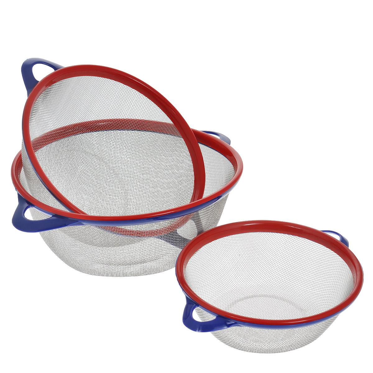 Сито Bekker, цвет: красный, синий, 3 шт. BK-9224BK-9224В набор Bekker входит 3 сита разного диаметра, выполненных из нержавеющей стали. Сито станет незаменимым аксессуаром на вашей кухне. Предназначено для просеивания и процеживания муки, промывания круп, ягод и фруктов. Сито оснащено удобными пластиковыми ручками. Прочная стальная сетка обеспечивает изделию износостойкость и долговечность. Подходит для чистки в посудомоечной машине.Диаметр изделий: 26 см, 22,5 см, 20см.Высота изделий: 10 см, 9 см, 6,5 см.Ширина изделий (с учетом ручек): 32,5 см, 29 см, 25 см.