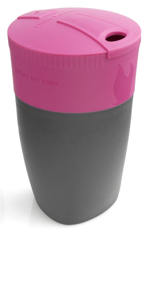 """Складная кружка Light My Fire """"Pack-up-Cup"""" отлично подходит для использования как в походе, так и в офисе. Она компактно складывается для более удобной переноски, в рабочем состоянии может вмещать до 260 мл жидкости. При необходимости кружку легко можно поместить в MealKit или в LunchKit."""