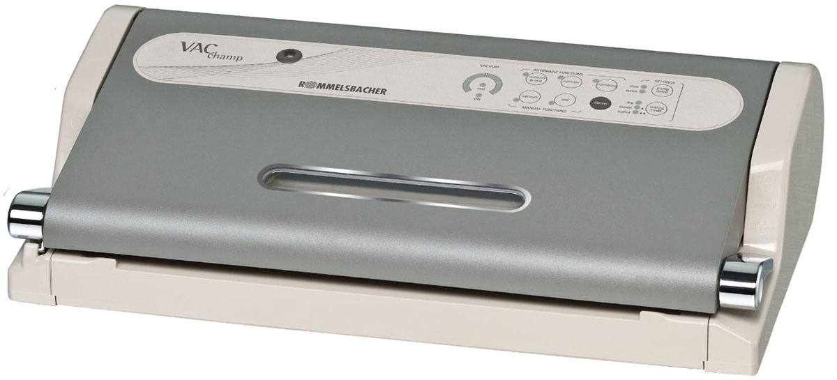 Rommelsbacher VAC 500 вакуумный упаковщикVAC 500Полностью автоматический вакуумный упаковщик Rommelsbacher VAC 500 идеален для фасовки большогоколичества продуктов на более мелкие части. Продукты сохраняются дольше до 5 раз при сохранении витаминови питательных веществ. Также обеспечивается защита продуктов от вымораживания при глубокой заморозке. Ввакууме создаются оптимальные условия для маринования продуктов. Продукты в вакуумной упаковке пригодныдля приготовления в микроволновой печи, а также при приготовлении по технологии Sous-Vide. Прибор имеетзапатентованную защиту насоса от жидкостей - насос и блок управления интегрированы в крышку прибора. Дляупаковки может быть использована доступная в продаже структурированная полиэтиленовая пленка в рулонахили готовые пакеты не более 30 см в ширину и длиной по мере необходимости. Мощность всасывания до 18 литров в минуту Степень вакуума 90% (-0,8 бар) Защита продуктов от вымораживания при глубокой заморозке Полностью автоматическое вакуумирование и сварка пакетов, продвинутые режимы вакуумирования иупаковки Возможность создания вакуума в специальных контейнерах Съемная вакуумная камера, пригодна для мытья в посудомоечной машине LED-дисплей, окошко с подсветкой, световые индикаторы