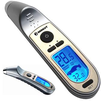 Манометр шинный Berkut Digital MAX, цифровойDigital MAXЦифровой манометр Berkut Digital MAX предназначен для измерения и контроля давления в шинах автомобиля. Корпус выполнен из обрезиненного металла и пластика. Манометр оснащен ЖК-дисплеем и наконечником с подсветкой.В комплекте чехол для хранения. Диапазон измерений: 2-99,5 Psi; 0,15-7 Атм. Погрешность прибора: +-0,5 Psi/0,05 Атм. Температурный диапазон: от +5°С до +40°С. Элементы питания: 2 х 3В (CR2032), либо аналоги.