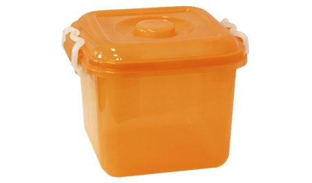 Контейнер для хранения Idea Океаник, цвет: оранжевый, 8 лМ 2856Контейнер Idea Океаник, выполненный из высококачественного пищевого полипропилена, предназначен для хранения различных вещей. Он снабжен плотно закрывающейся крышкой со специальными боковыми фиксаторами.Вместительный контейнер позволит сохранить ваши вещи в порядке, а герметичная крышка предотвратит случайное открывание, а также защитит содержимое от пыли и грязи.