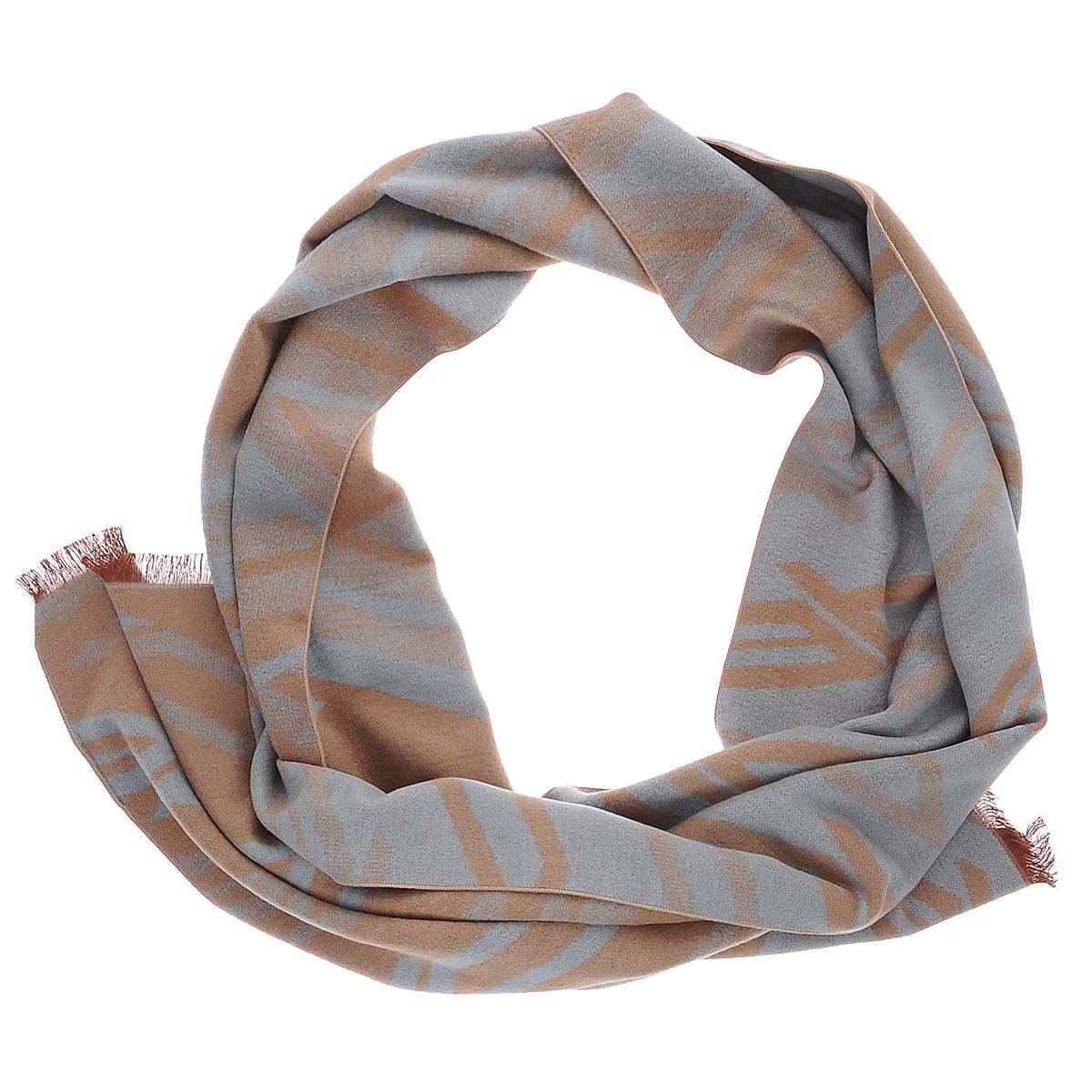 Шарф мужской Moltini, цвет: бежевый, голубой. 90019-08T. Размер 30 см х 180 см90019-08TМужской шарф Moltini согреет в холодное время года, а также станет изысканным аксессуаром, который призван подчеркнуть ваш стиль и индивидуальность. Ворсистый теплый шарф выполнен на основе из 100% шелка и оформлен оригинальным принтом. Края модели декорированы тонкой бахромой.