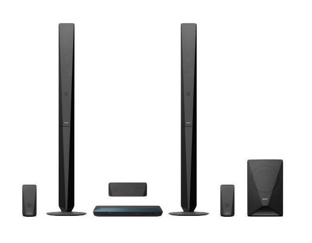 Sony BDV-E4100 домашний кинотеатр4905524897319Больше впечатлений от фильмовНаслаждайтесь динамическим объемным звучанием — грохотом в фильмах, ревом толпы на спортивных матчах или вокальными партиями в любимых композициях. Используя доступ к песням в одно касание на смартфоне, поддерживающем NFC и Bluetooth®, вы можете начать воспроизведение музыки так же быстро, как шагнуть в комнату.Не слушайте — ощущайтеСмотрите ли вы любимый фильм или слушайте музыку, пусть звучание будет по-настоящему впечатляющим. Благодаря щедрой выходной мощности 1000 Вт двух напольных АС, двух сателлитных АС и сабвуфера вы услышите безупречный и мощный окружающий звук, который перенесет вас в эпицентр событий.Прослушивание в одно касаниеПередавайте музыку со смартфона или планшетного компьютера с поддержкой Bluetooth® и NFC, просто прикоснувшись к системе домашнего кинотеатра. Требуется всего одно касание. Также вы можете передавать музыку в потоковом режиме с ПК, iPhone, iPad или iPod* через Bluetooth®. Каким бы ни был ваш выбор, технология Digital Music Enhancer обрабатывает звук, делая его чище.Беспроводная передача фильмов, фотографий и другого контентаБлагодаря встроенному Wi-Fi, вы можете с легкостью подключить к устройству смартфон, ноутбук, планшетный компьютер или подключиться к Интернету без проводов. Передавайте любой развлекательный контент: от фотографий до списков воспроизведения, от онлайн-видео до телешоу и видеоклипов YouTube .Откройте мир онлайн-развлеченийВ вашей видеотеке не осталось непросмотренных фильмов? Сетевой сервис Sony Entertainment Network расширяет вашу домашнюю коллекцию фильмов и ничем не ограничивает ваш выбор: с его помощью вы можете смотреть потоковое видео в HD-качестве и любимые телеканалы, слушать музыку, а также читать новости, смотреть погоду, играть в игры и выполнять множество других действий с помощью веб-браузера и приложений сервиса.Безупречный дизайн и стильНовые модели домашних кинотеатров воплощают дизайн Sense of Quartz, подсказанный образом