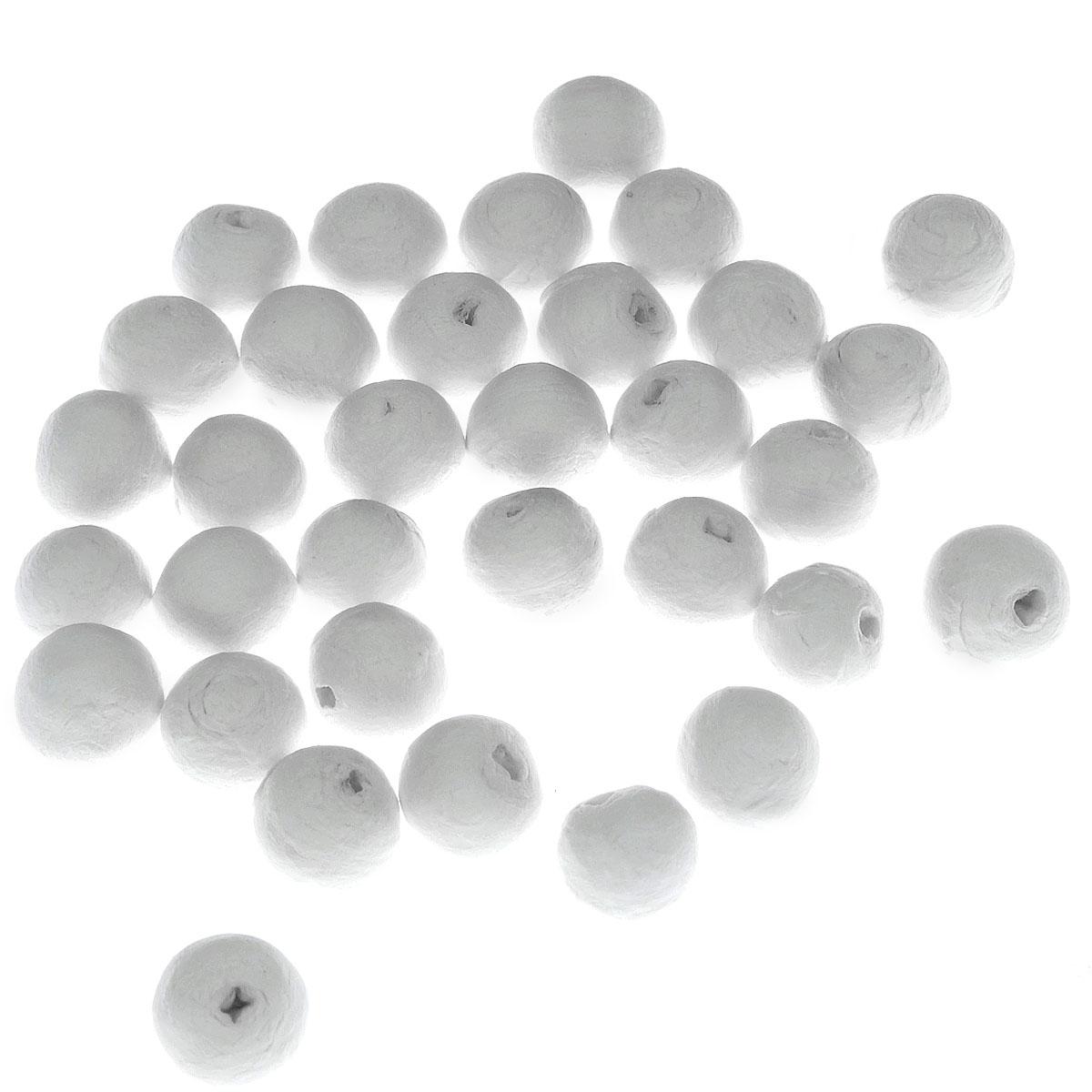 Шарики хлопковые Hobby Time, цвет: белый, диаметр 15 мм, 40 шт318338Декоративные шарики Hobby Time, изготовленные из 100% натурального хлопка, станут эффектным украшением интерьера или праздника. Из хлопка можно создать любые украшения. Белый пушистый хлопок - практически универсальная деталь, из которой можно создать красивейшие декоративные композиции как для зимних праздников, так и для торжественных мероприятий, проводимых в теплые сезоны.При планировании эко-свадьбы хлопок также стоит включить в список элементов декоративного убранства. Воткнув в букет хлопковые веточки, вы сразу сделаете композицию и нежнее, и оригинальнее. Поскольку цветки хлопчатника белые, украшения из них можно сочетать с любой цветовой палитрой. Хлопок можно добавлять не только в букет невесты и в композиции на столах. А из веточек хлопка получатся оригинальные бутоньерки. Диаметр шарика: 15 мм.