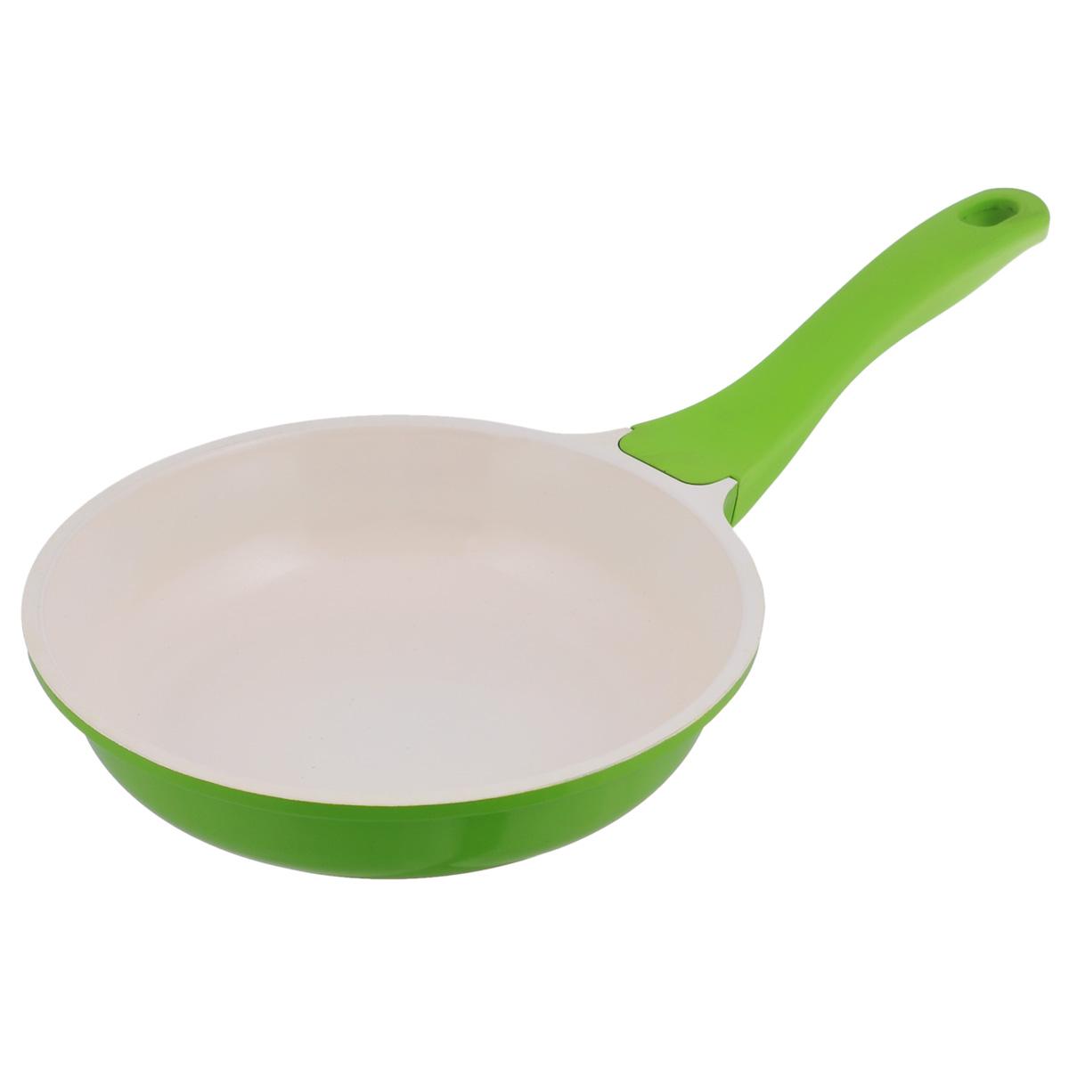 Сковорода Mayer & Boch с керамическим покрытием, цвет: салатовый. Диаметр 26 см. 2219422194Сковорода Mayer & Boch изготовлена из литого алюминия с керамическим покрытием. Сковорода предназначена для здорового и экологичного приготовления пищи. Пища не пригорает и не прилипает к стенкам. Абсолютно гладкая поверхность легко моется. Посуда экологически чистая, не содержит примеси ПФОК. Рукоятка специального дизайна, выполненная из пластика с силиконовым покрытием, удобна и комфортна в эксплуатации. Внешнее цветное покрытие устойчиво к воздействию высоких температур. Можно использовать на газовых, электрических, стеклокерамических, галогеновых, индукционных плитах. Можно мыть в посудомоечной машине. Высота стенки: 6 см.Толщина стенки: 2,5 мм.Толщина дна: 5,5 мм. Длина ручки: 18,5 см.Диаметр индукционного диска: 18 см.